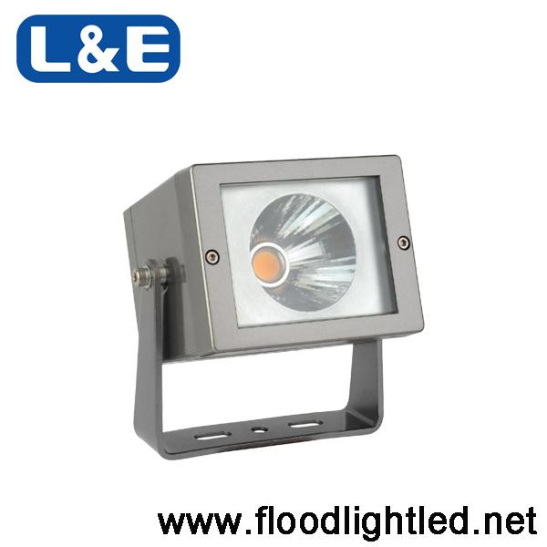 สปอร์ตไลท์ LED L&E 20W (แสงส้ม)