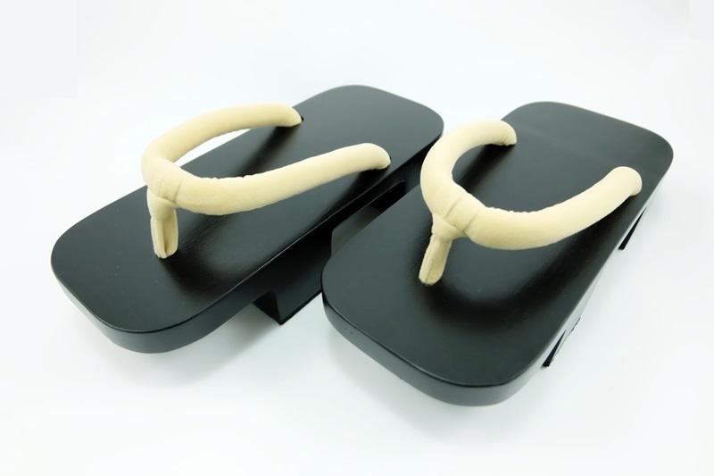 Geta-06 รองเท้าเกี๊ยะไม้ดำเชือกสีครีม