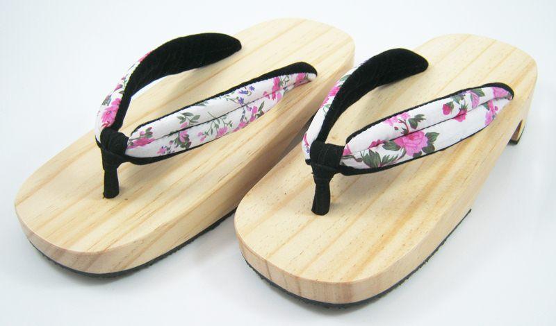 New Geta-05 รองเท้าเกี๊ยะทรงเตี๊ย ไม้ธรรมชาติ เชือกขาวดอกไม้ชมพู