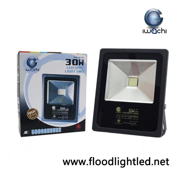 สปอร์ตไลท์ LED 30W รุ่น SPL ยี่ห้อ IWACHI (แสงขาว)