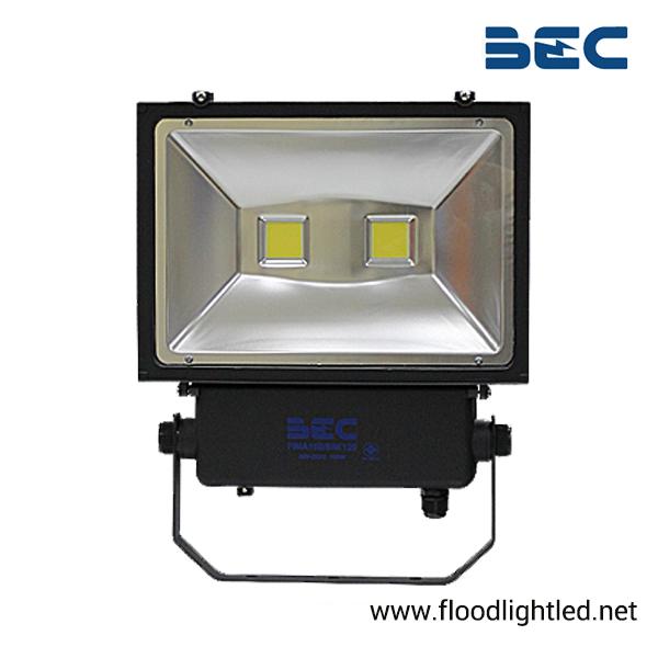 สปอร์ตไลท์ LED 100w รุ่น FINA ยี่ห้อ BEC (แสงส้ม)