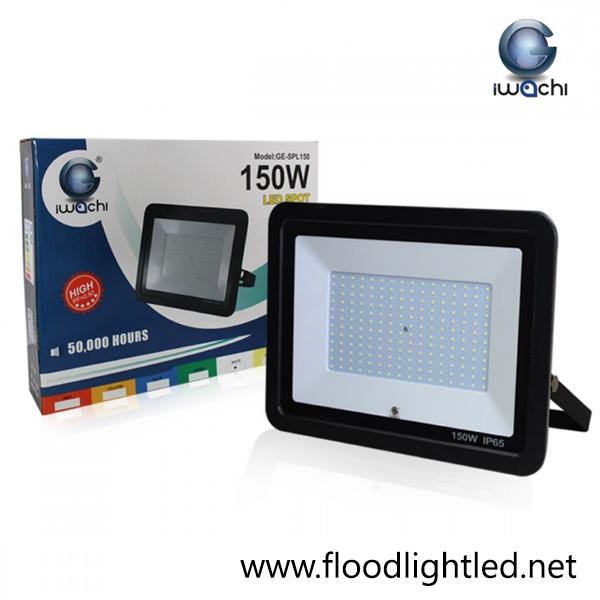 สปอร์ตไลท์ LED 150w รุ่นบาง ยี่ห้อ Iwachi (แสงส้ม)