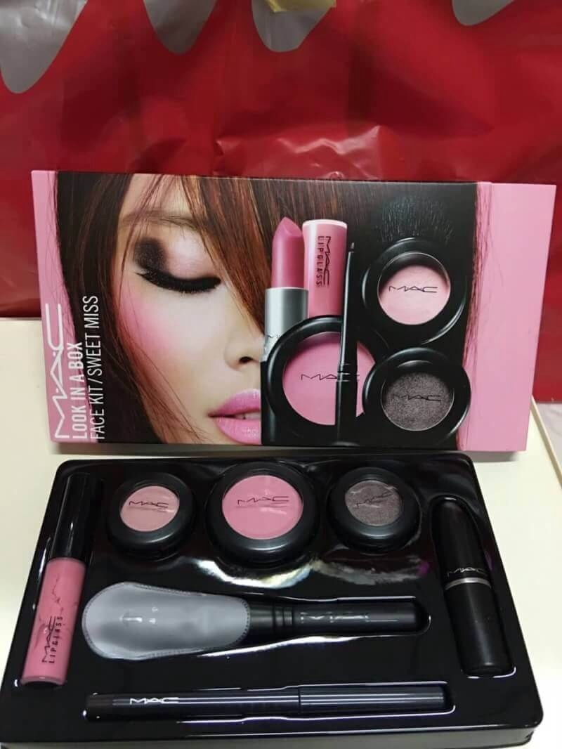 #Mac set limited edition look in a box face kit #sweet miss