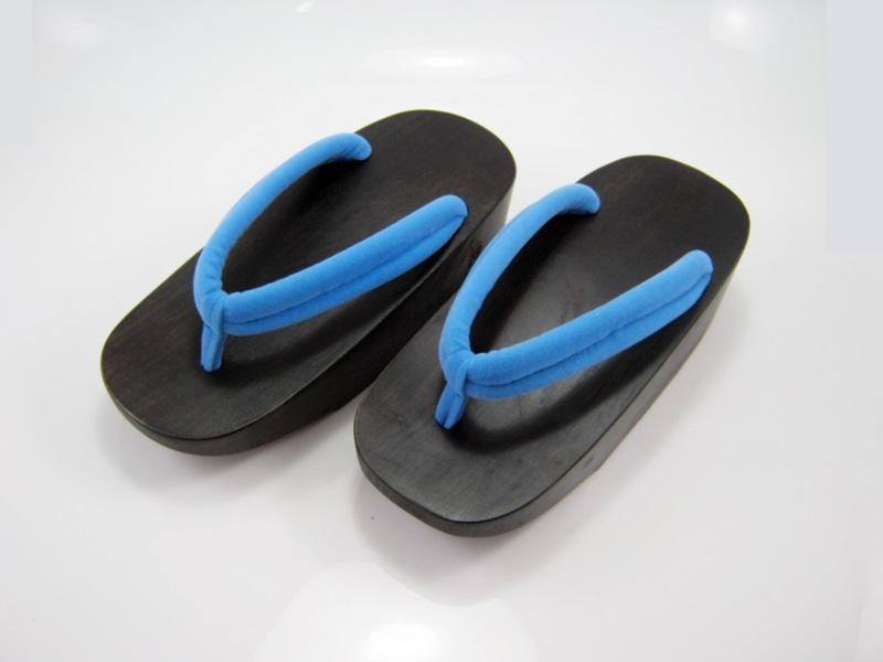 Fit Geta-15 รองเท้าเกี๊ยะไม้ดำ เชือกสีฟ้า