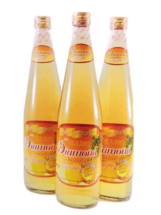 น้ำส้มสายชูหมักจากสับปะรด ตรา ไดม่อน**