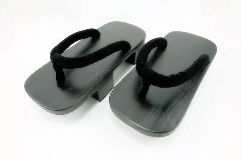 Geta-04 รองเท้าเกี๊ยะไม้ดำเชือกสีดำ