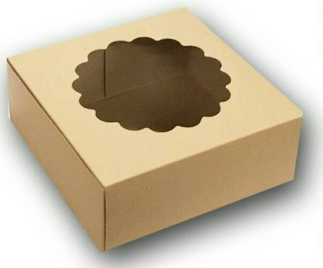 กล่องครึ่งปอนด์ เตี้ย วรนัท