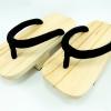 Geta-08 รองเท้าเกี๊ยะไม้ธรรมชาติ เชือกสีดำ