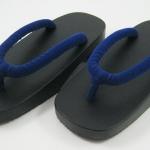 New Geta-010 รองเท้าเกี๊ยะทรงเตี๊ย ไม้สีดำ เชือกสีน้ำเงิน