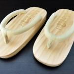 SUGOI-05 รองเท้าเกี๊ยะไม้ธรรมชาติเชือกสีครีม