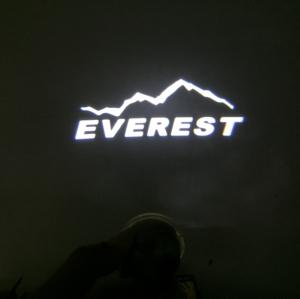 ไฟส่องใต้กระจก ลาย Everest